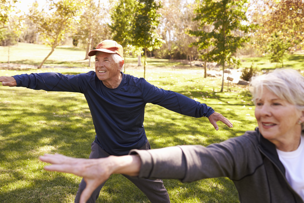 senior-couple-tai-chi-warmup-posture
